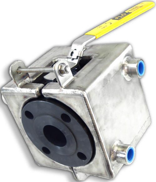 Ball valve with two piece bolted steam jacket